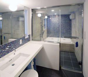 ホテルライクな在来工法による浴室