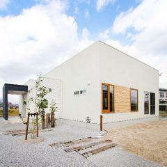 中庭のある平屋建ての家 外観